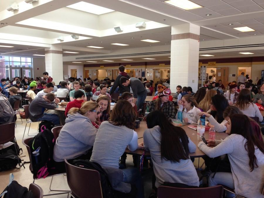 Overcrowded lunch tables inhibit student relaxation – THE ...  Crowded High School Cafeteria