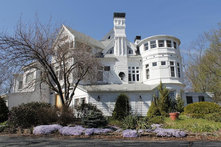 Built+in+1880%2C+White+Cliffs+mansion+stands+at+167+Main+Street%2C+Northborough.+It+was+used+for+years+as+a+function+facility%2C+but+faced+the+prospect+of+demolition+in+2015.+On+April+25%2C+the+house+was+saved+from+destruction+at+the+2016+Northborough+Town+Meeting+when+it+was+purchased+with+Northborough+Community+Preservation+Fund+revenues.++