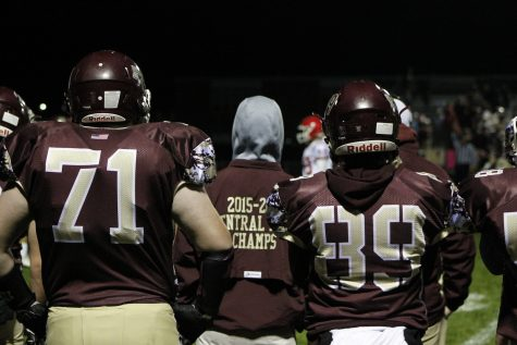 Football concludes at district finals, celebrates successful season
