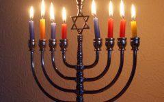 Hanukkah celebration helps harbor calendar controversy