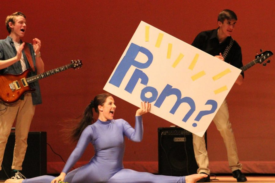 Junior Meredith Lapidas added an element of romance to the talent show when she promposed to junior Jimmy Clifford after his bands set.
