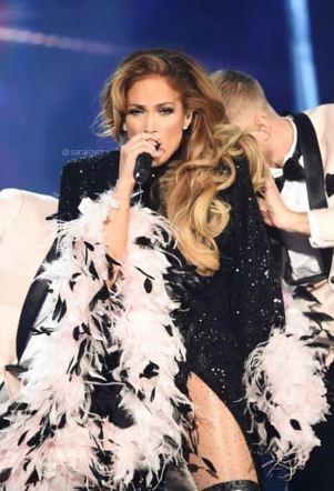 Jennifer Lopezs Motown tribute