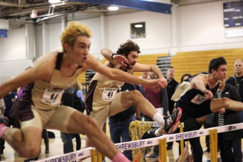 Indoor track teams run away with successful season