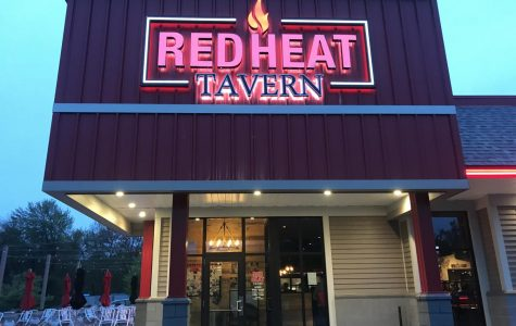 REVIEW: Red Heat Tavern adds unforeseen entertainment to eating out, accommodates dietary restrictions