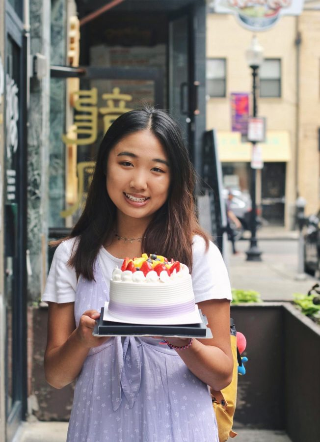 Sophomore+Brianna+Tang+started+the+Instagram+account+%40toomanybites+in+2018.++Since+starting+the+account+she+has+accumulated+over+3%2C000+followers+and+invites+to+many+local+restaurants+and+other+food+events.+