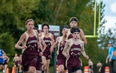 Boys' cross country uses pack mentality to sweep Leominster