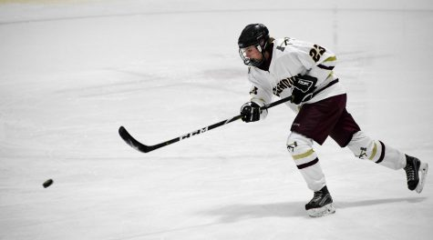 Girls' hockey exceeds expectations, qualifies for semifinals