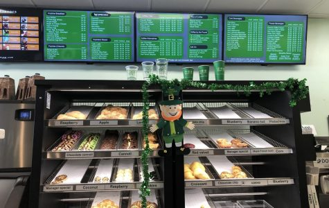 When ordering, you are able to see all of the pastries, as well as chose your preferred food and drink from the screens above.
