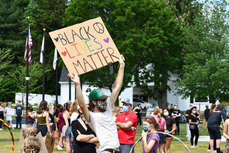 In a gathering at the Northborough Town Common, hundreds came together to peacefully protest police brutality and racial injustice.